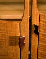 Olivia cabinet detail